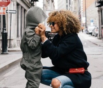 How to Raise Resilient Kids Who Never Give Up - Featured Photo