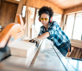 Oregon Tradeswomen: Working to Get More Women Into the Trades's MissionBox Cover Photo